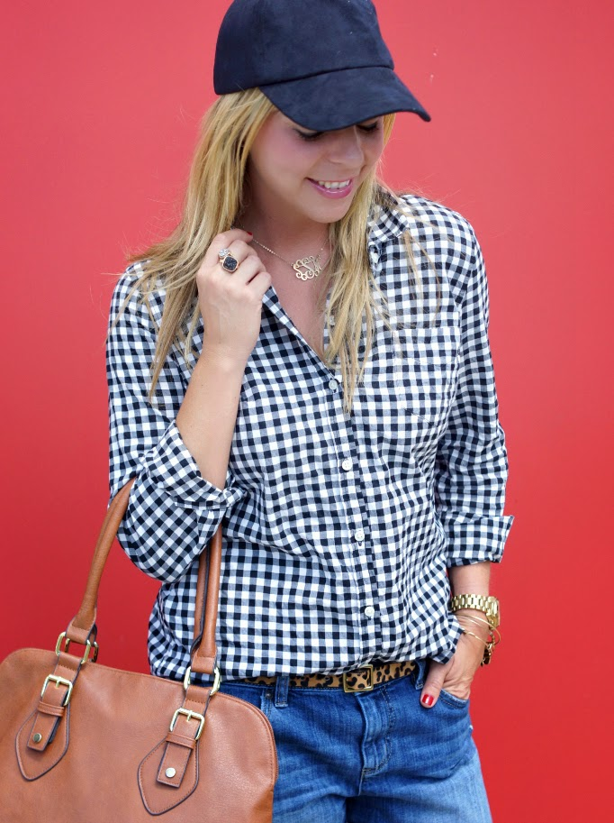 how to style a black baseball cap for women