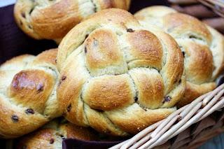 challah-buns