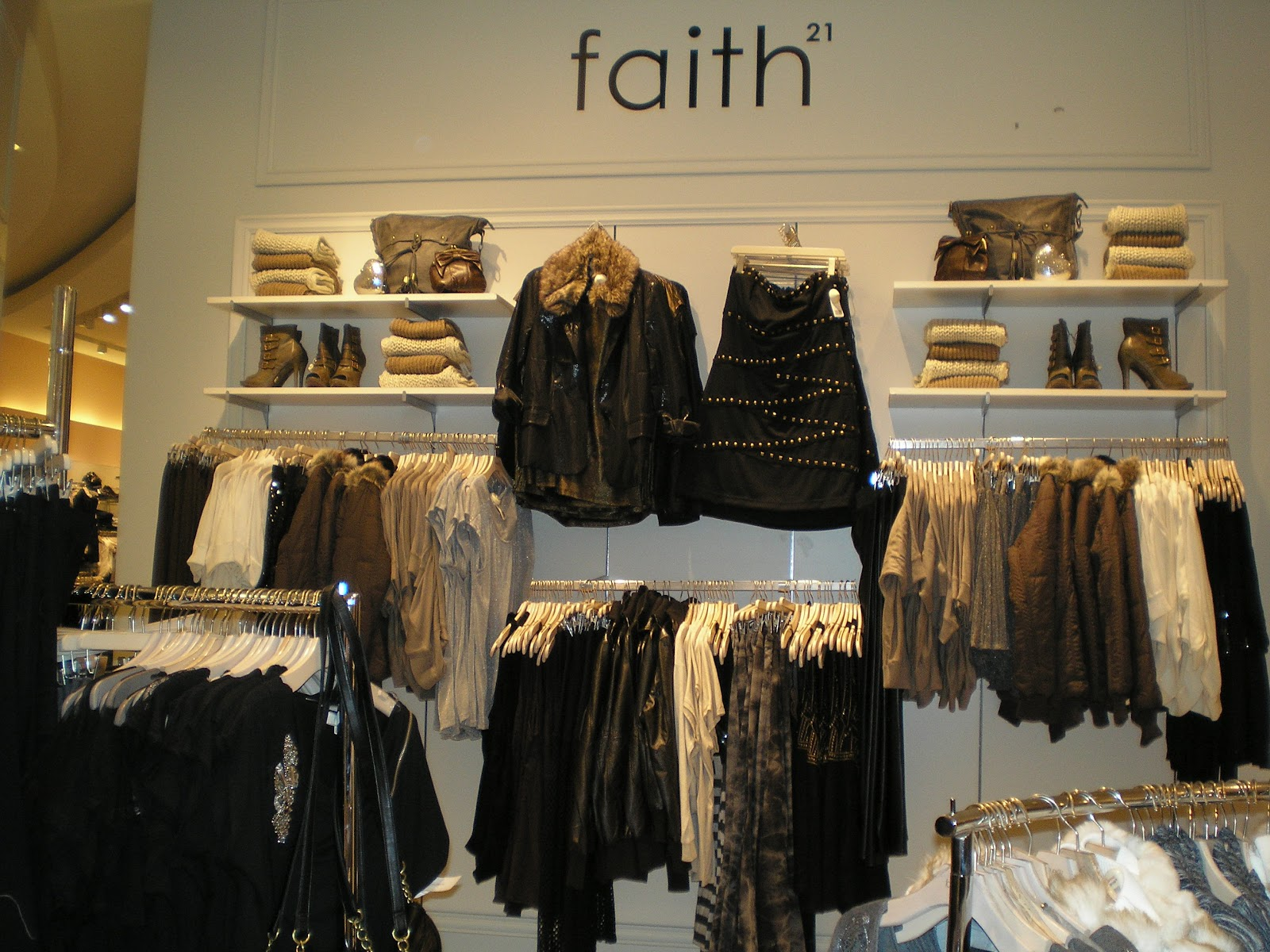 how to become a visual merchandiser at forever 21