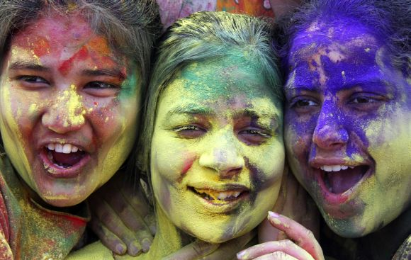 Colours Of Holi | Eklectica.in
