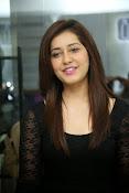 Rashi Kanna latest glam pics-thumbnail-18