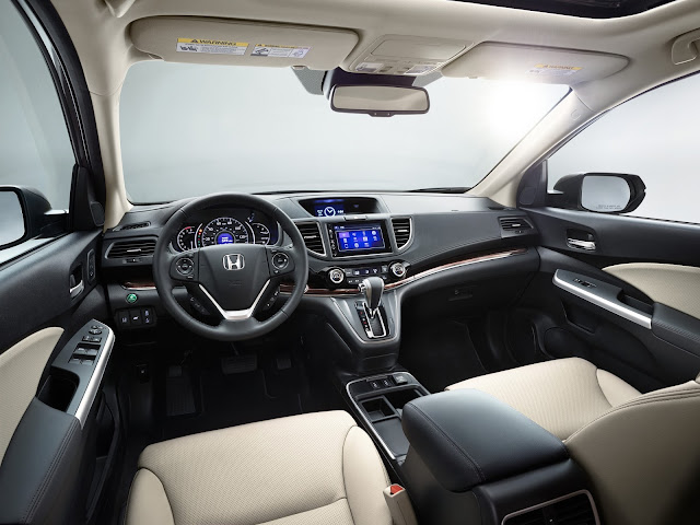 Interior view of 2016 Honda CR-V