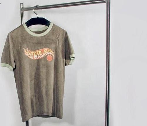 12-Tshirt-6-Australian-Sculptor-Alex-Seton-www-designstack-co