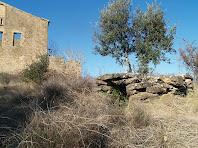 Situació de la cisterna o pou respecte Cal Marianó