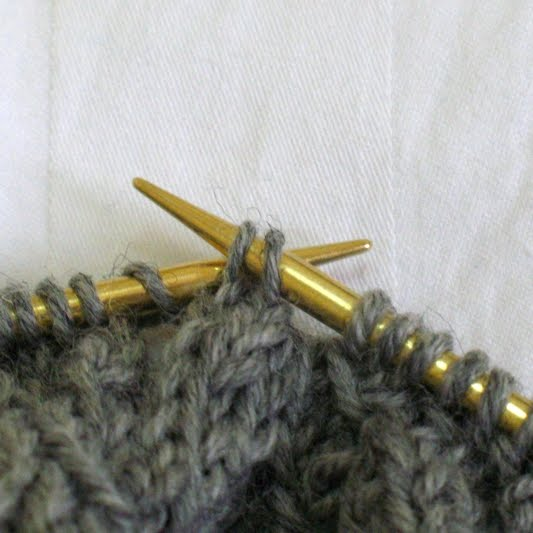 LilyGo: Tutorial: easier way to make p2tog tbl for tight knitter