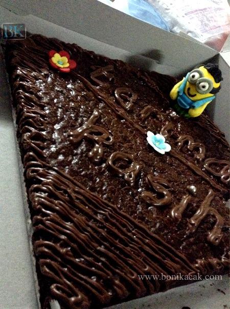 tempah dan beli kek brownies coklat Nutella yang sedap dan terbaik secara online, di mana kedai dan lokasi untuk beli kek brownies coklat Nutella yang sedap dan terbaik,