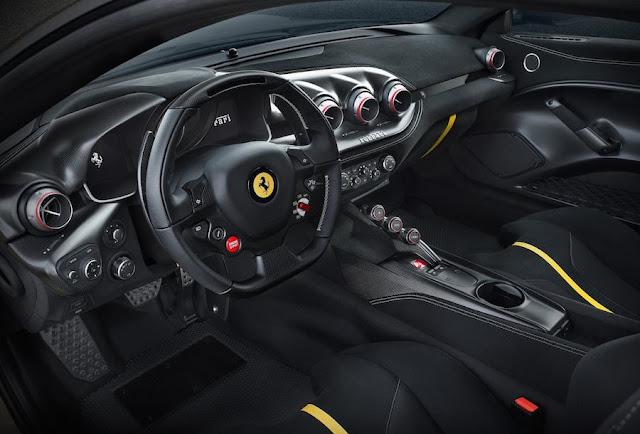 フェラーリF12TDF インテリア