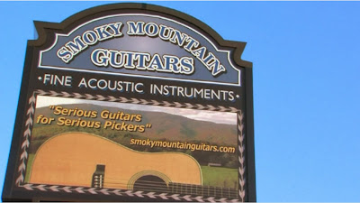 Smoky Mountain Guitars in Pigeon Forge, TN