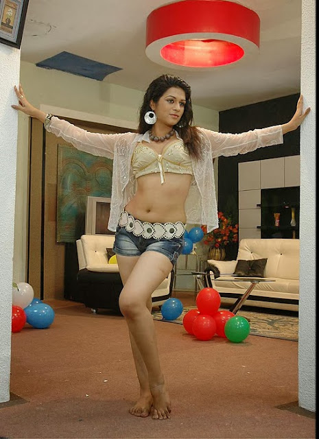 Latest Best Shraddha Das Pics
