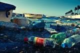 «Πνίγονται» στα σκουπίδια οι θάλασσες -