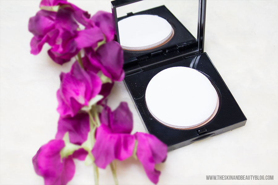Bobbi Brown Sheer Finish Pressed Powder Review