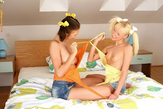 young girls - rs-60715_46p-037-707725.jpg