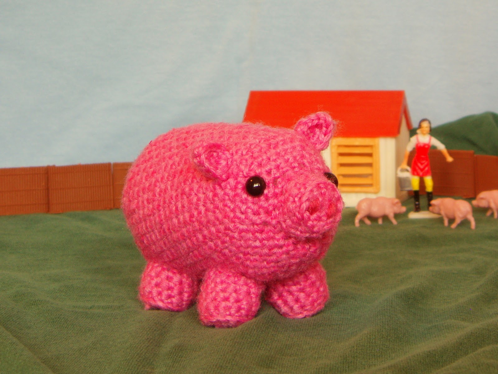 one man crochet: free crochet pig pattern