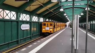 Museum + U-Bahn: Oldtimer im Untergrund Bloß keine Fahrschalterexplosion! , aus PNN