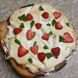 Pimm's Meringue Pie