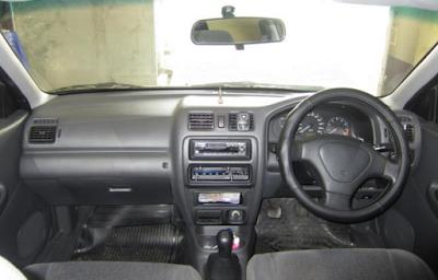 Interior Mazda 323 Lantis / 323 Familia
