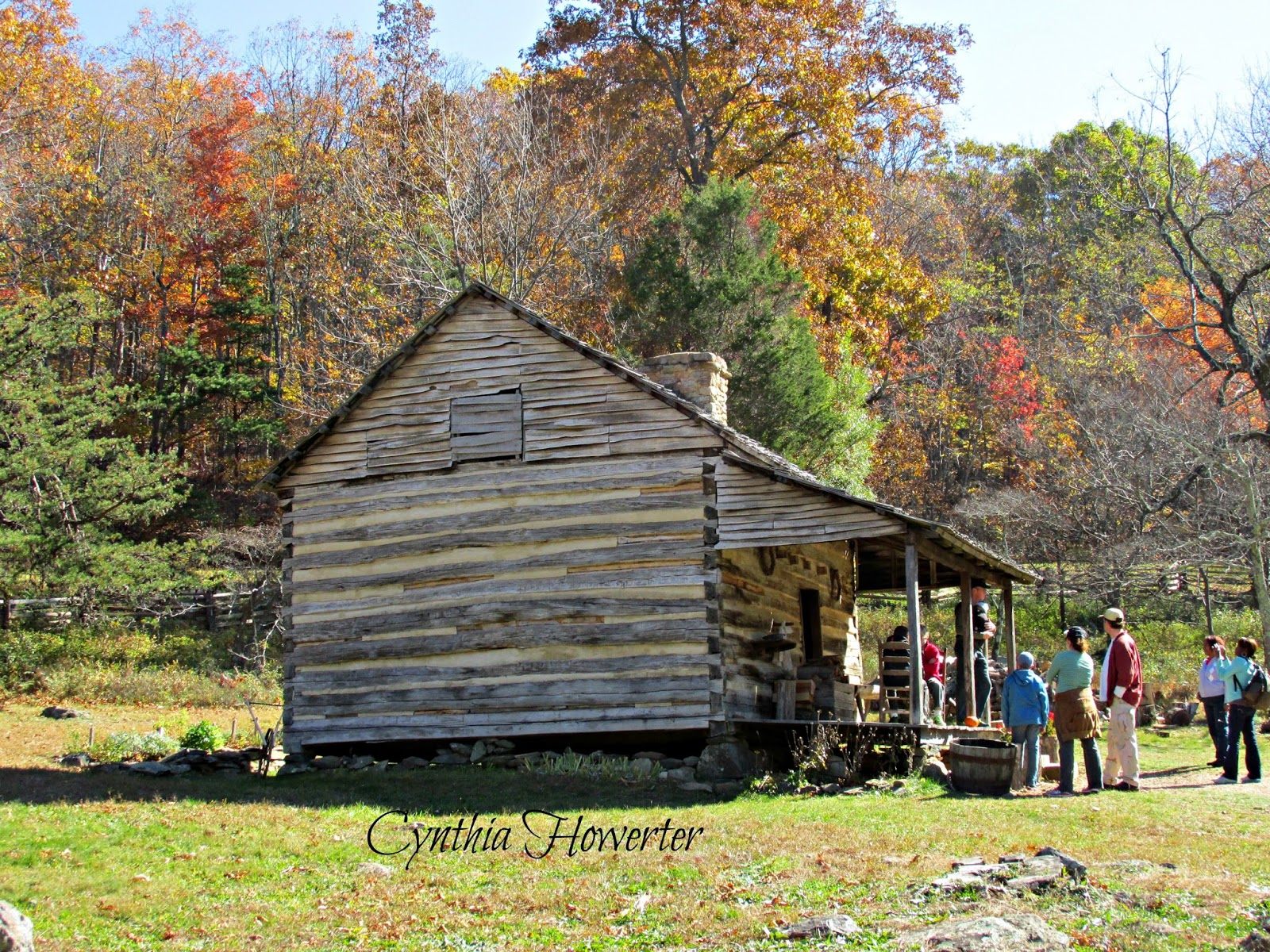 Marvelous photograph of Colonial Quills: A 1700s Log Cabin in Virginia's Blue Ridge Mountains  with #809734 color and 1600x1200 pixels