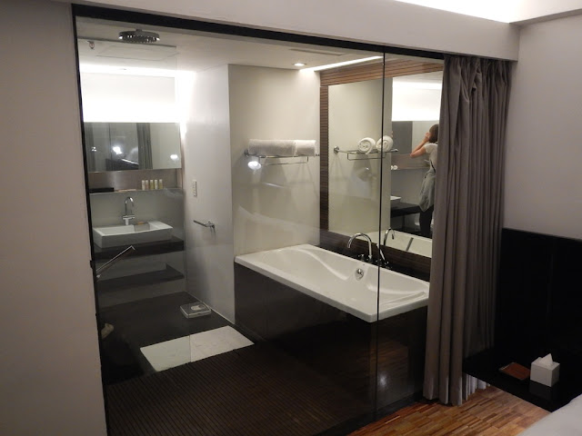 Hotel Maya Kuala Lumpur bathroom