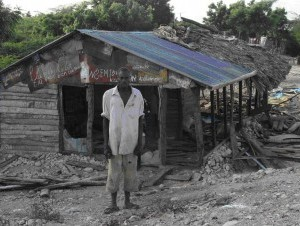 La miseria arropa zona cañera en Barahona