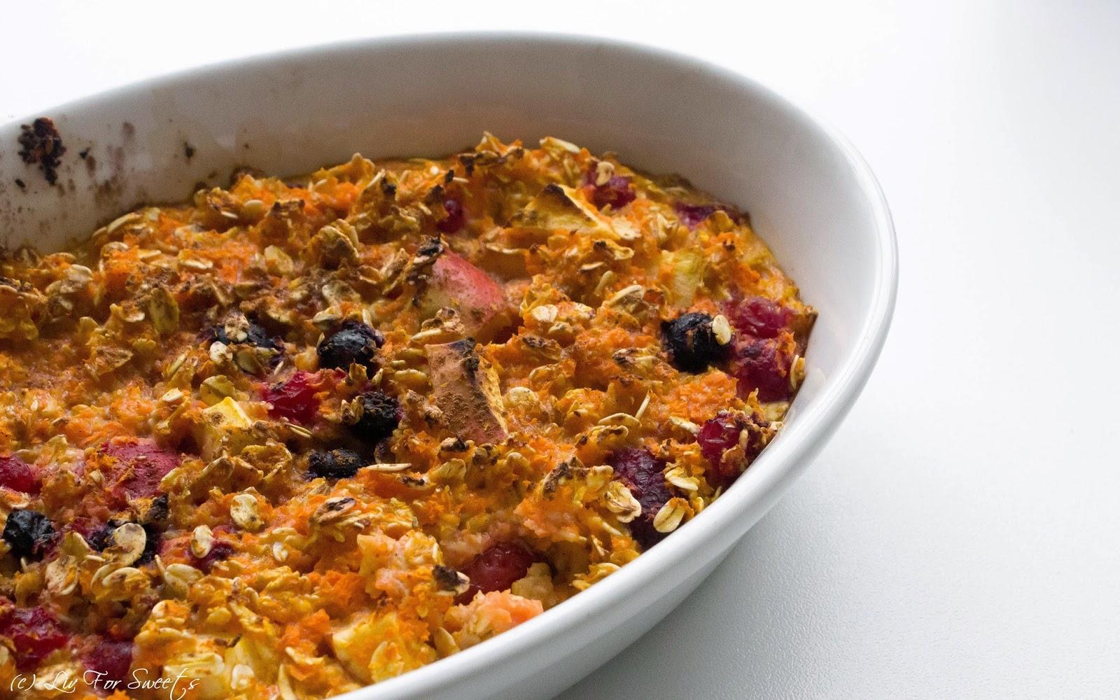 gebackene Haferflocken mit geraspelter Karotte, Apfel, Beeren und Sojadrink, Pflanzenmilch, vegan Frühstück, Thermomix, Rezept