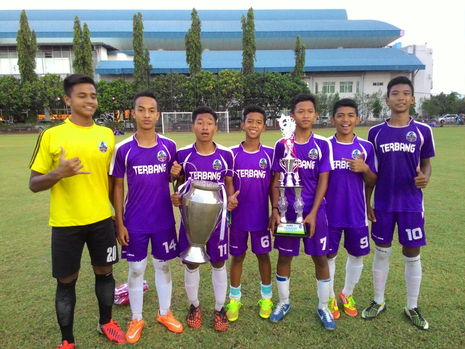 sekolah sepak bola terang bangsa mei 2015