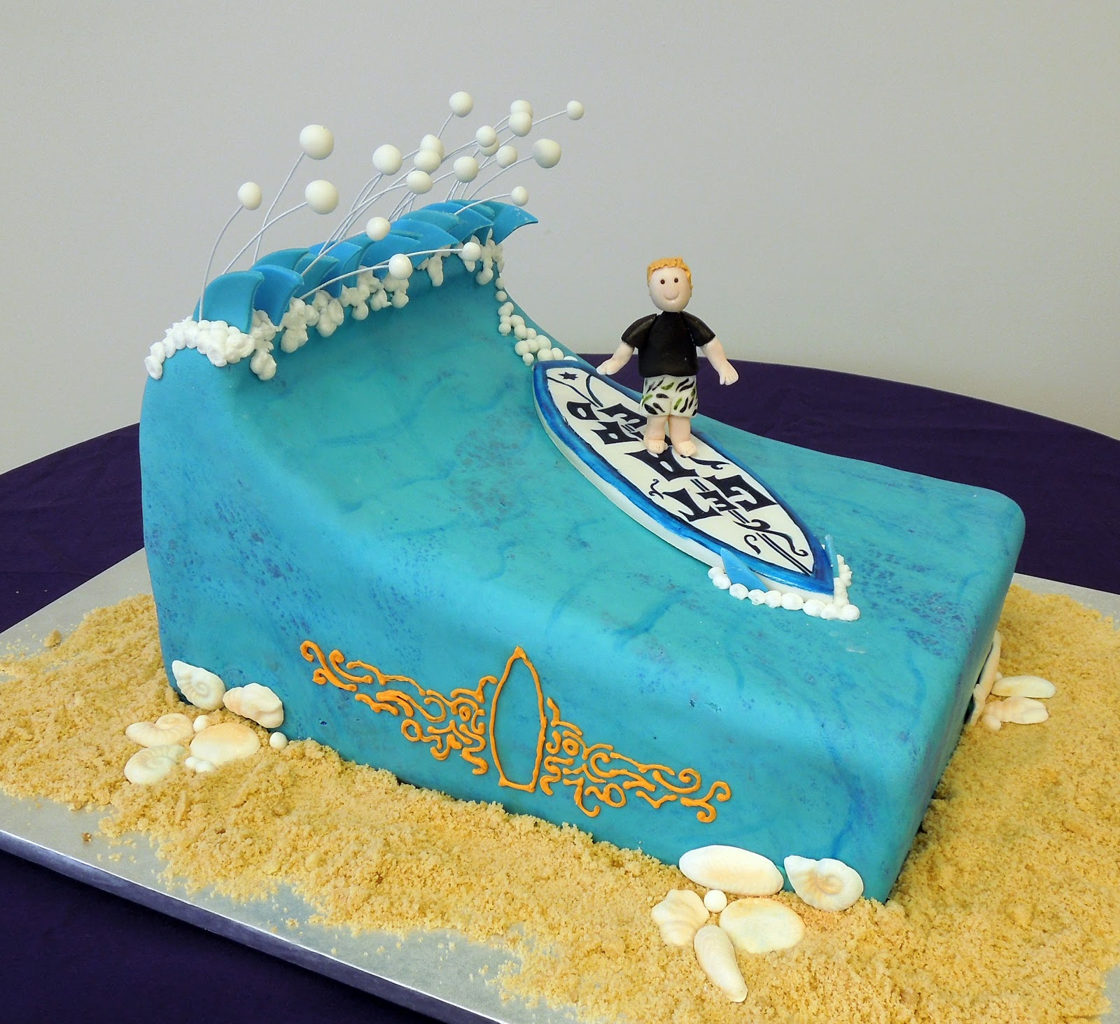 surfing cakes