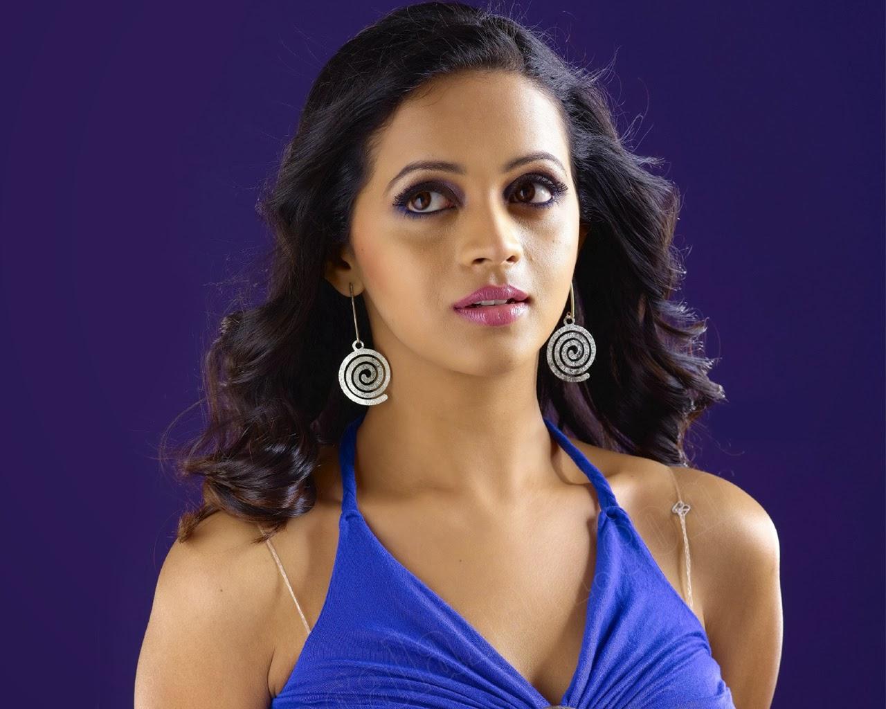 South Indian Actress Hot Boobs Sexy Stills