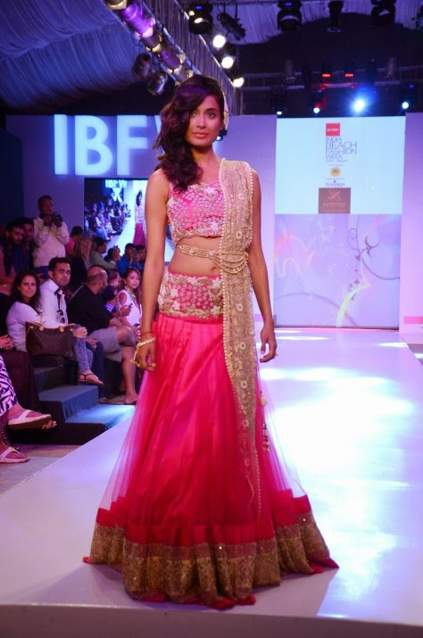 SARAH JANE DIAS IN SHOUGER MERCHANT DOSHI LEHENGA