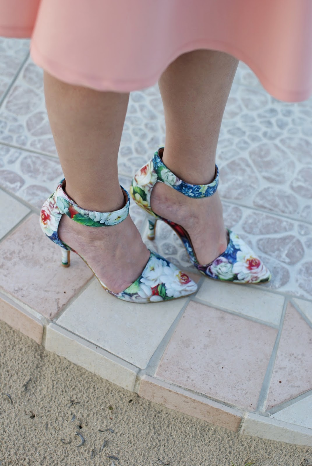 Jeffrey Campbell Solitaire floral pumps, Fashion and Cookies, fashion blogger