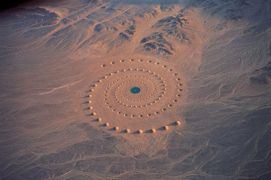 Epic Sahara Desert Art Installation Still Exists After 17 Years And Is Visible From Google Earth