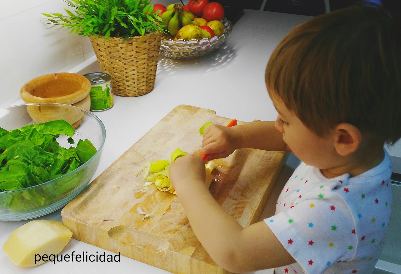 Pequefelicidad cocinas montessori ambientes preparados - Cocinas para cocinar ...