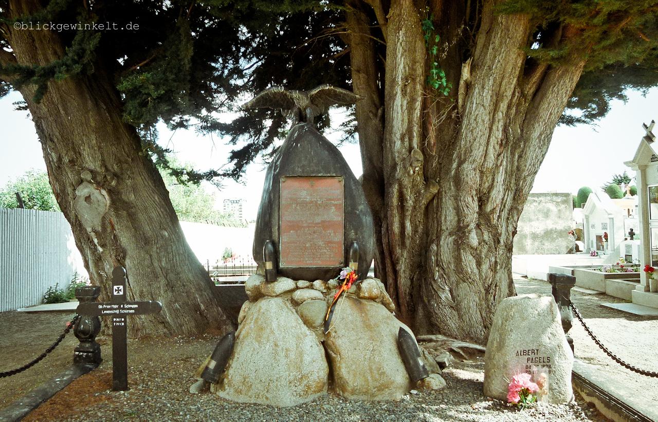 Gedenkstein Adrimal Spee auf dem Punta Arenas Friedhof