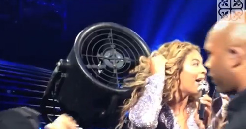 Beyoncé gets her hair stuck in a fan