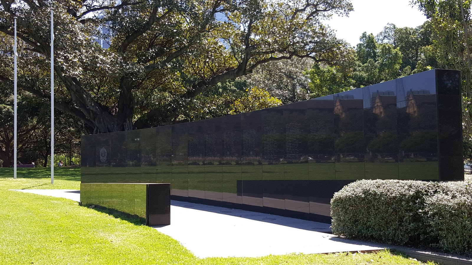 sydney city and suburbs the domain police memorial wall. Black Bedroom Furniture Sets. Home Design Ideas