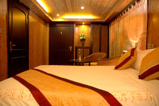Suite Cabin - White Dolphin Cruise