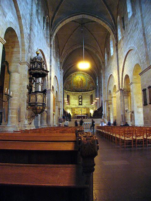 Tìm hiểu về nhà thờ Lund ở Thụy Điển