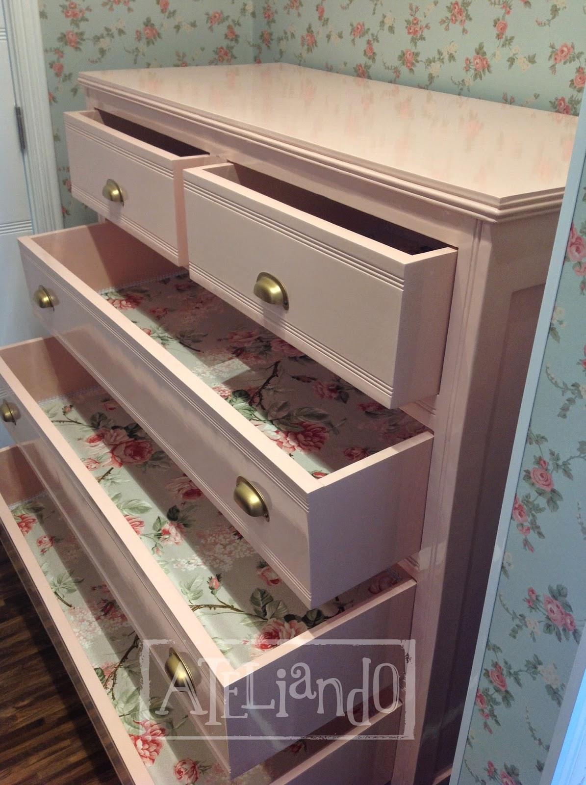 Customização de móveis antigos: Closet e banheiro customizados #926839 1195x1600 Azulejo Listrado Banheiro