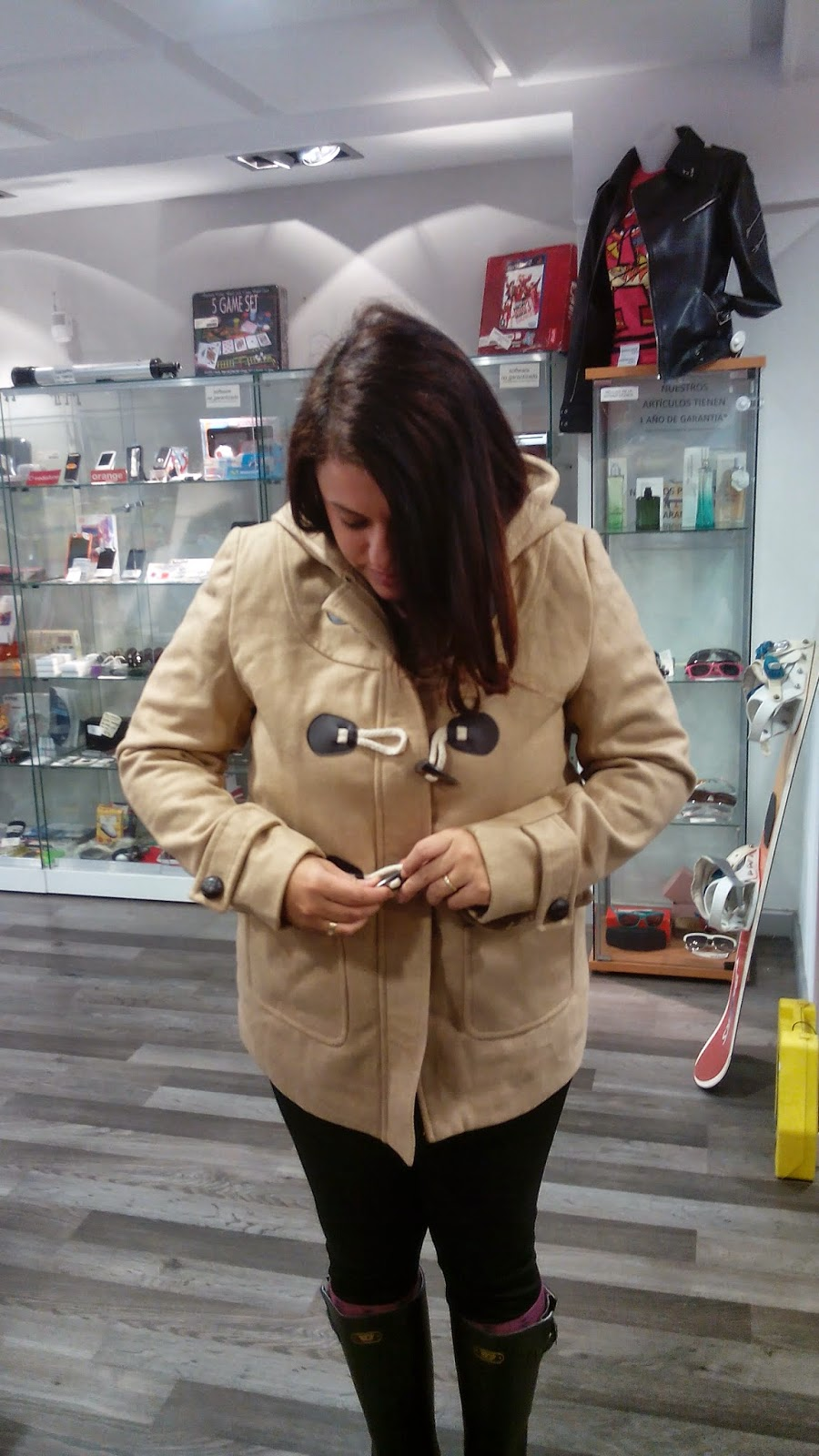 http://www.choies.com/product/wool-blend-hooded-duffle-coat-in-khaki_p30936?cid=3957jesspai