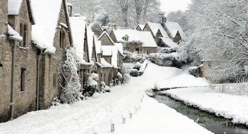 Rolea Tu Imperio - Hijos de Leyendas   - Página 5 Village+under+snow