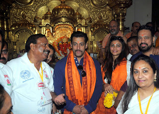 Salman Khan visits Siddhivinayak Temple with Jai Ho co star Daisy Shah