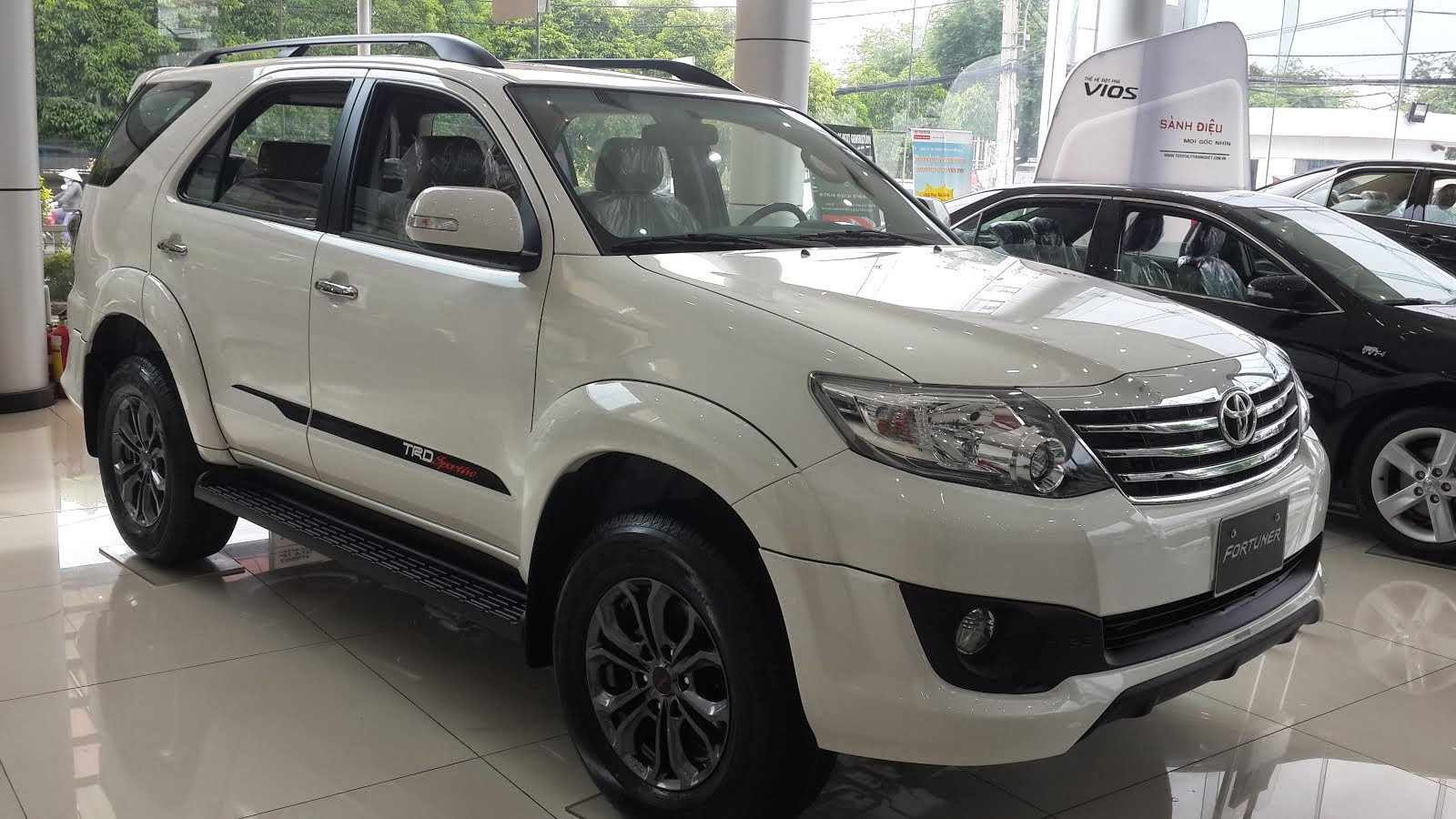 TOYOTA FORTUNER TRD 2015 MỚI