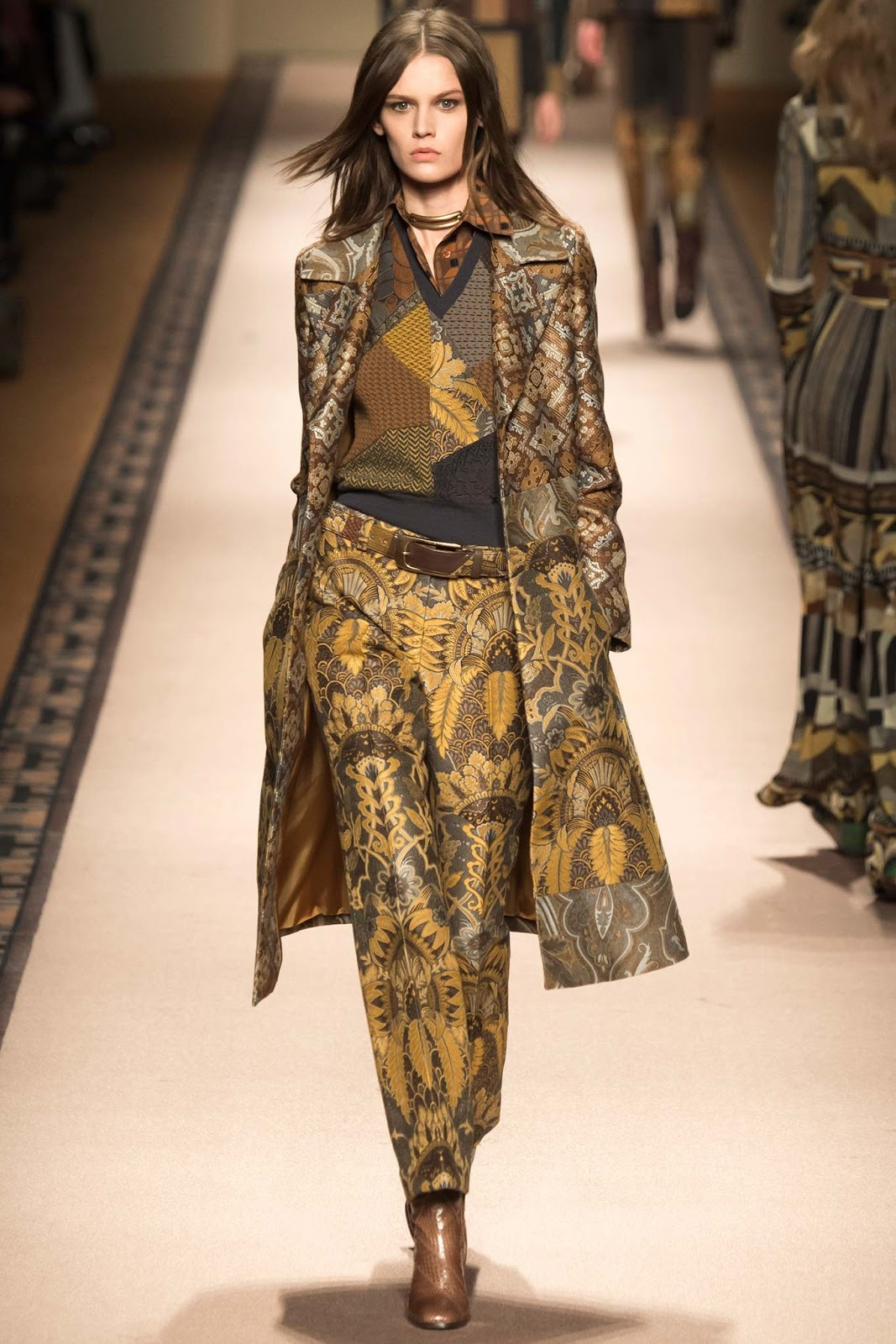 Brocade trend on AW 2015 runway at Etro / via www.fashionedbylove.co.uk