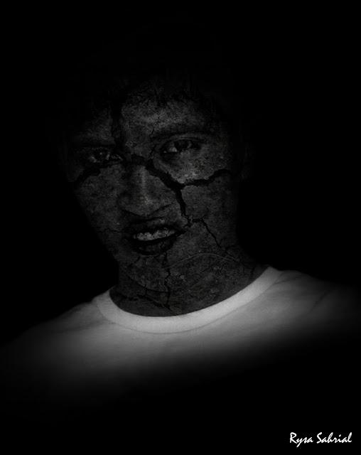 Cara membuat efek wajah retak degan photoshop