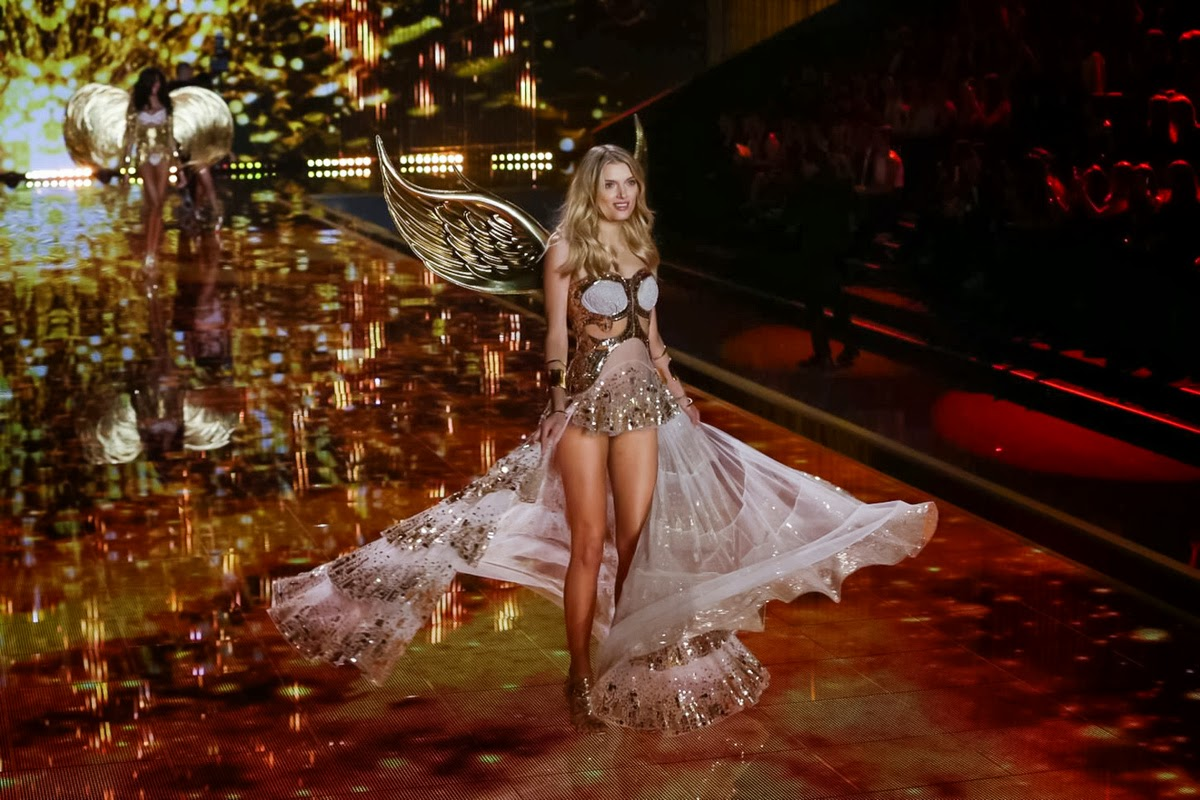 http://www.syriouslyinfashion.com/2014/12/victorias-secret-fashion-show-2014-in.html