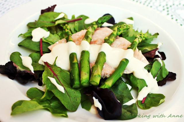 Asparagus and Salmon Salad