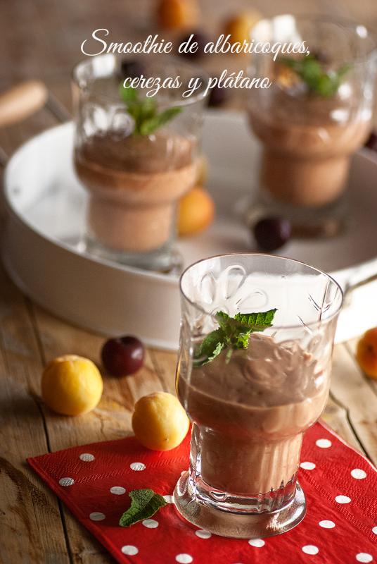 smoothie-de-albaricoques-cerezas-plátano
