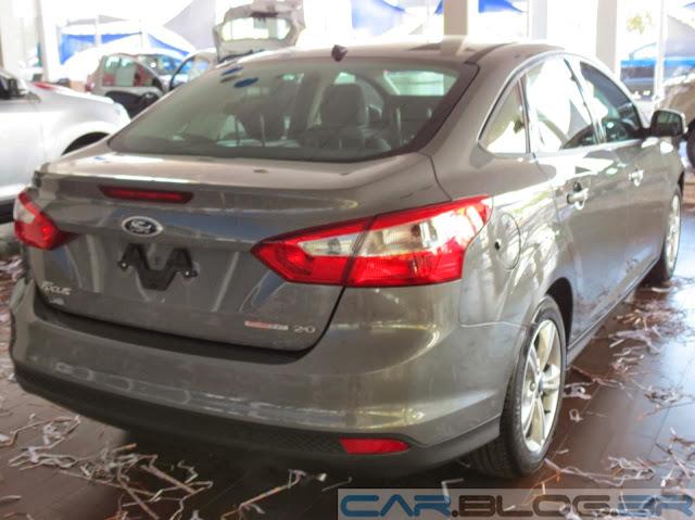 Nofo Focus Sedan Básico - traseira