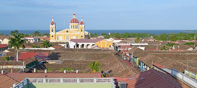 La ville de Granada et le lac Nicaragua