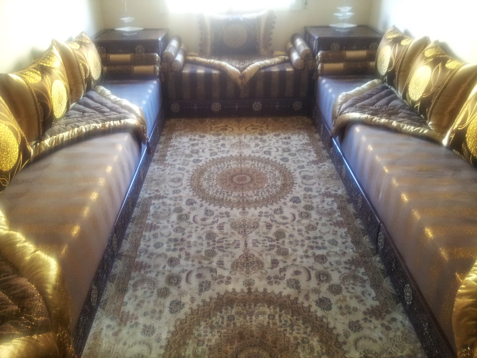 le tapis est aussi dune marque turque appel rawaii sajjad - Salon Turque