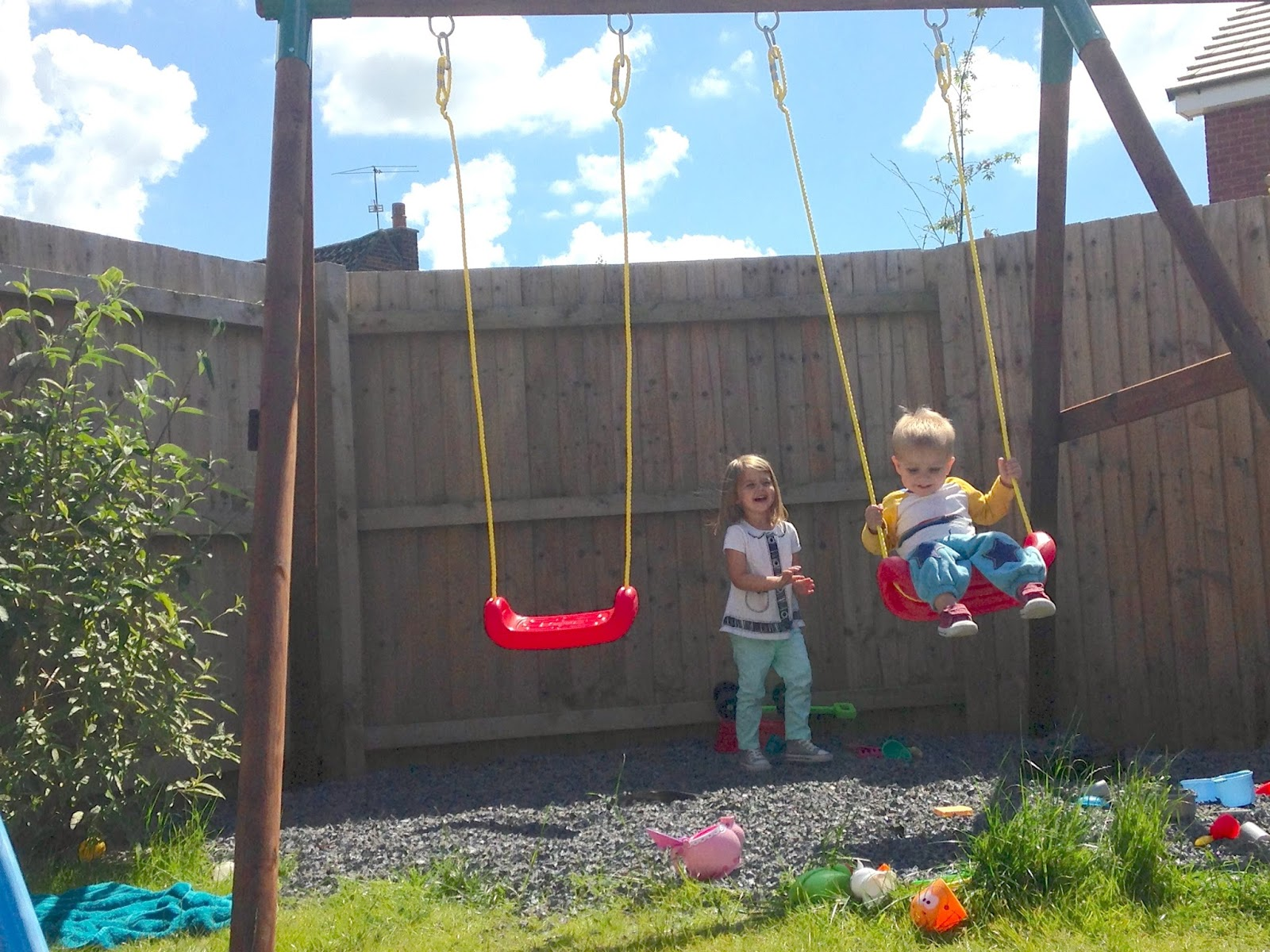 Review: Little Tikes Riga Swing From Asda